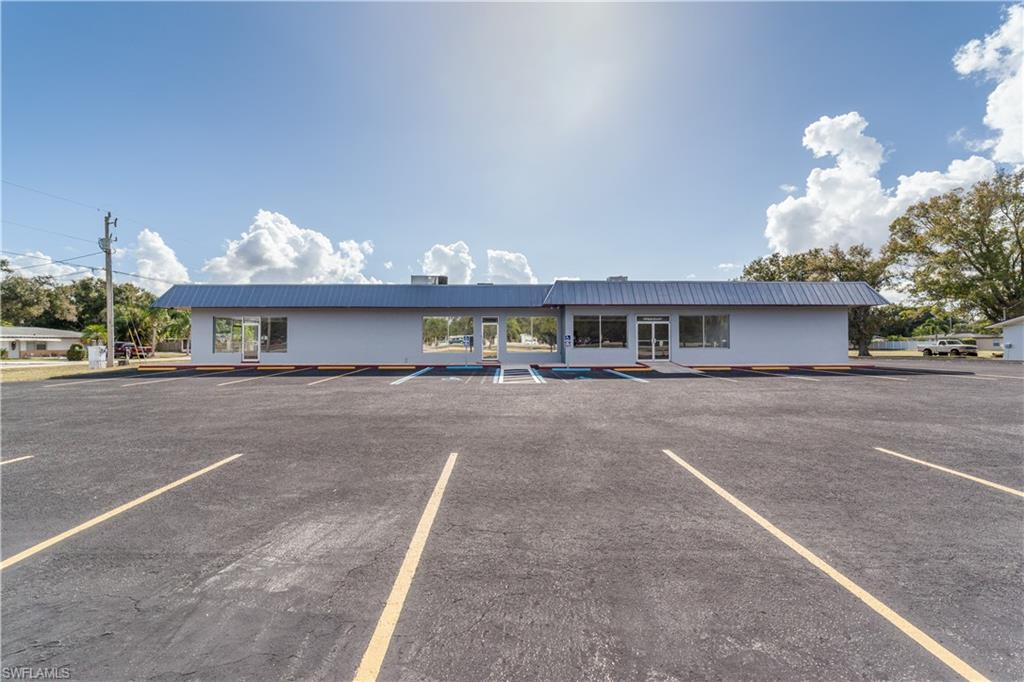 4750 Bayline Drive Property Photo - NORTH FORT MYERS, FL real estate listing
