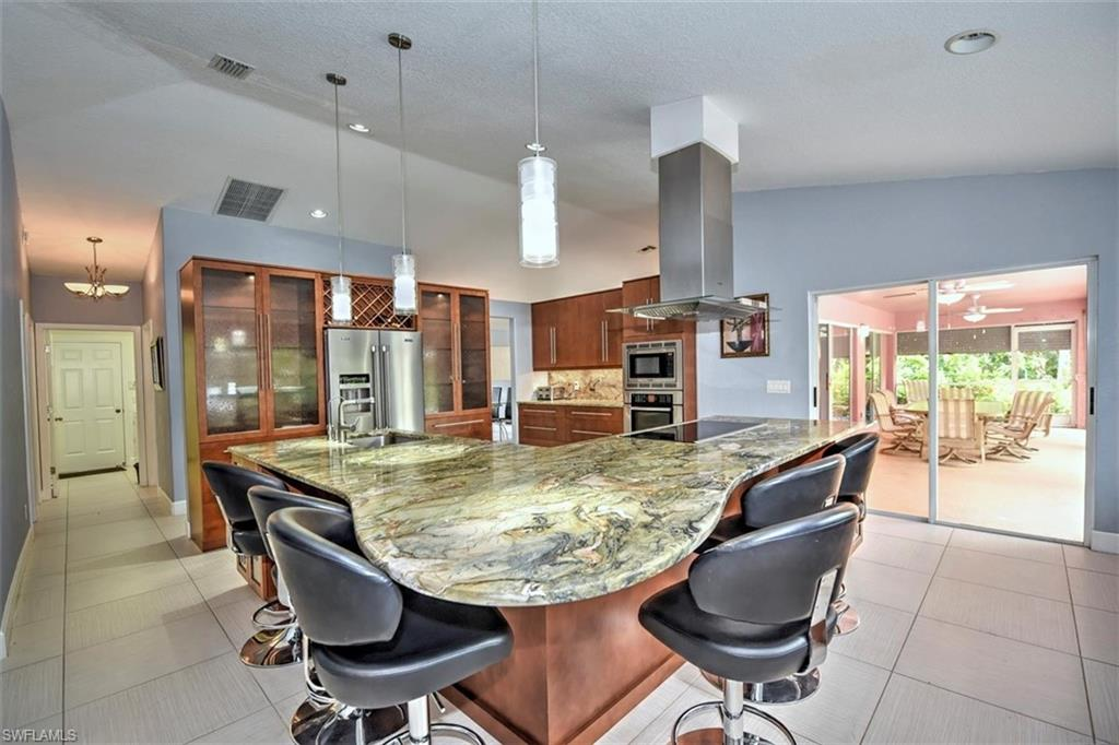 180 10th Avenue NW Property Photo - NAPLES, FL real estate listing