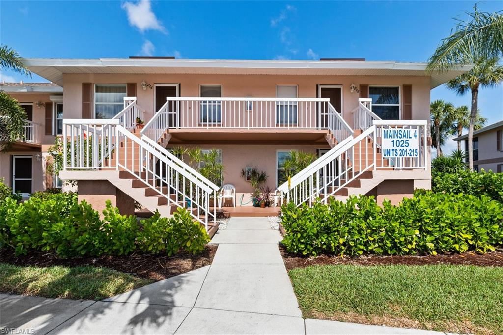 1025 MAINSAIL Drive #214 Property Photo - NAPLES, FL real estate listing