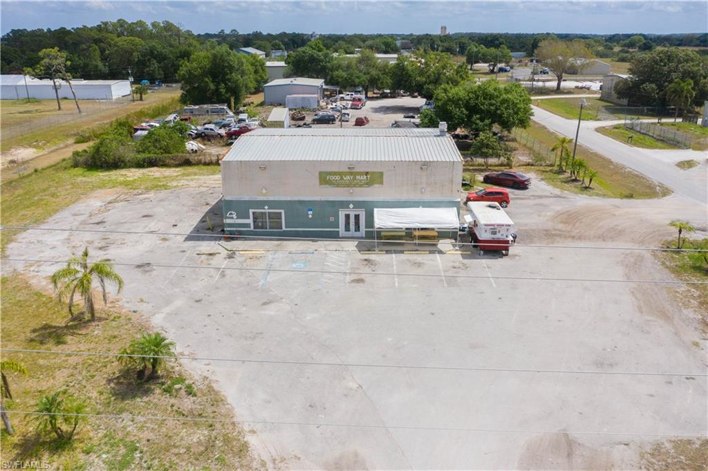 48 S Industrial Loop Property Photo