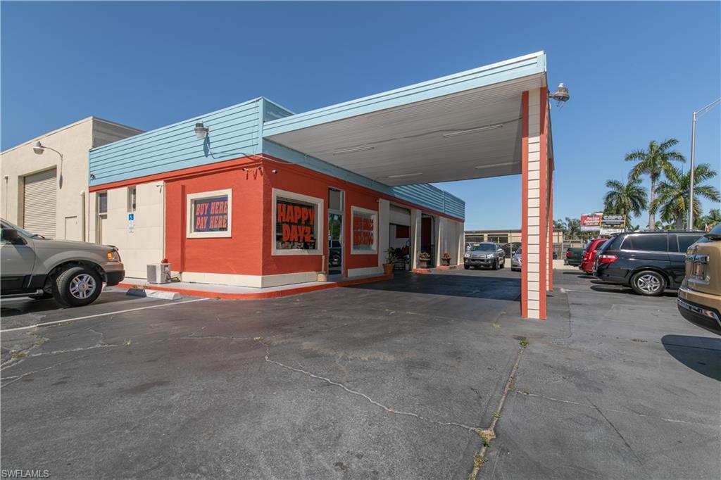 3861 Palm Beach Boulevard Property Photo