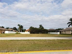 2584 Surfside Boulevard Property Photo