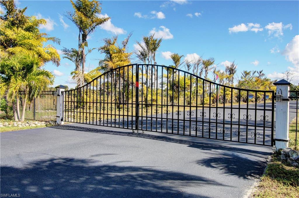 3700 Chickadee Court Property Photo