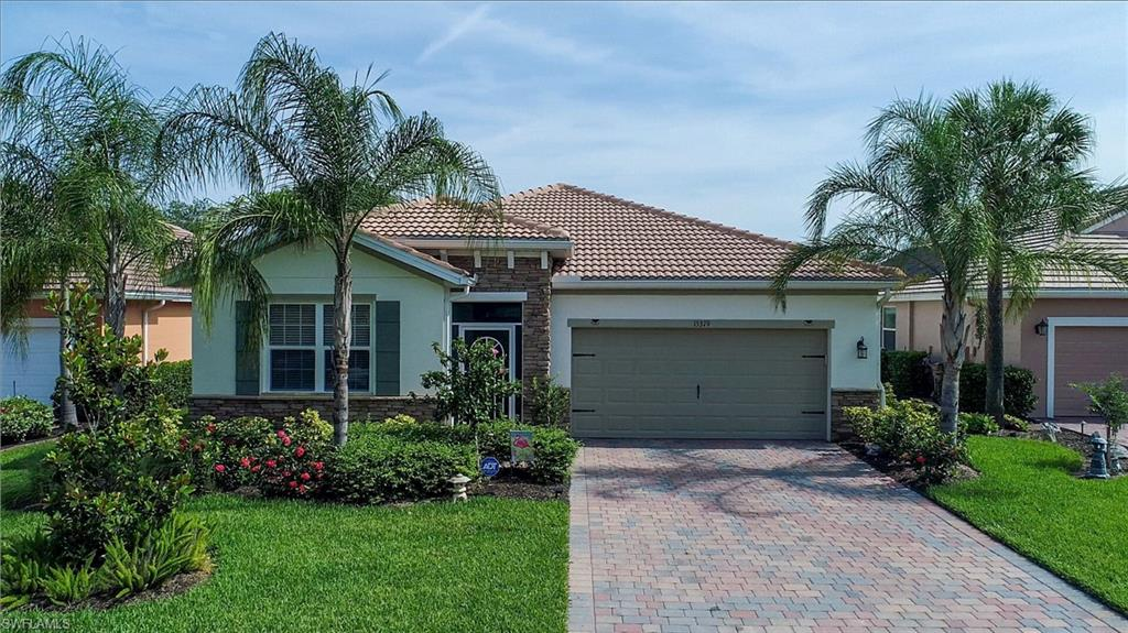 15379 Yellow Wood Drive Property Photo - ALVA, FL real estate listing