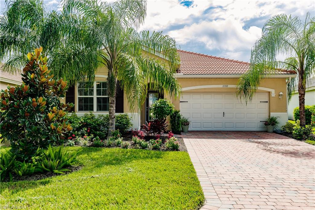 15332 Yellow Wood Drive Property Photo - ALVA, FL real estate listing