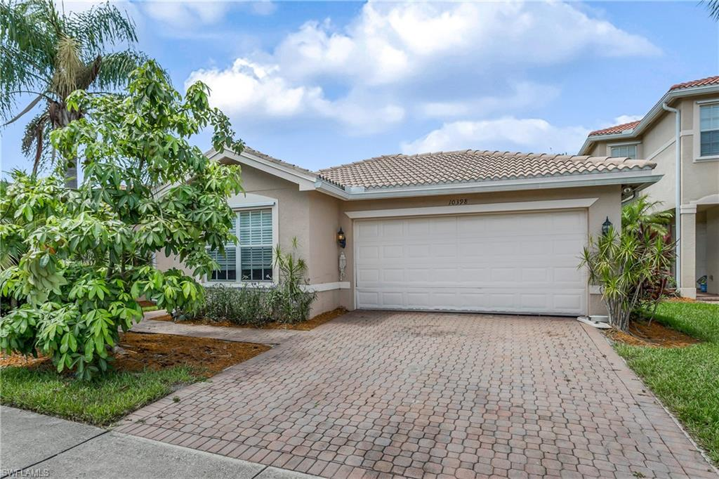 10398 Carolina Willow Drive Property Photo - FORT MYERS, FL real estate listing
