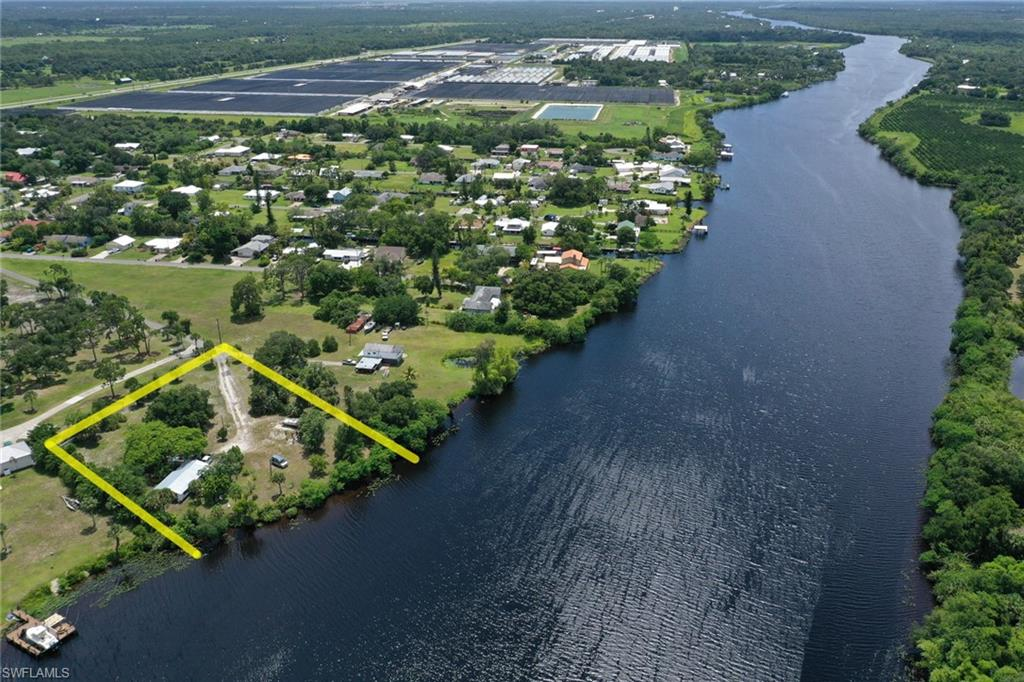 2121 Gardner Court Property Photo - ALVA, FL real estate listing