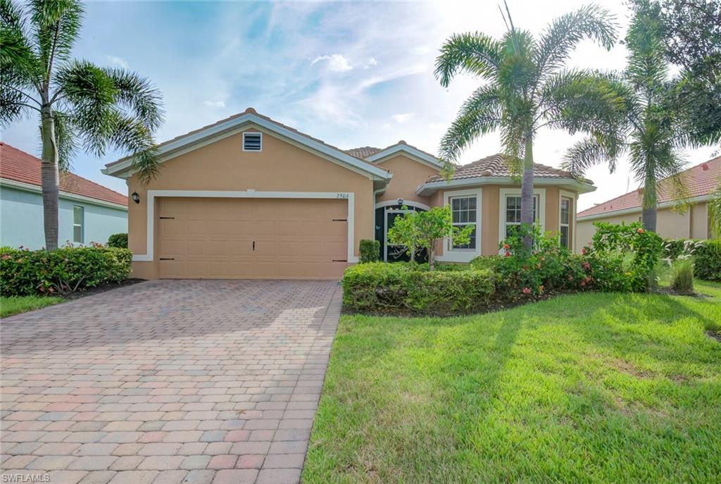 2906 Apple Blossom Drive Property Photo - ALVA, FL real estate listing