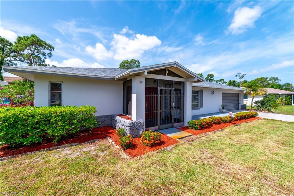 2372 La Salle Avenue Property Photo - FORT MYERS, FL real estate listing
