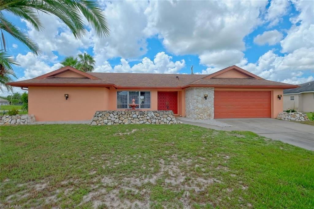 320 Inman Street Property Photo - LEHIGH ACRES, FL real estate listing