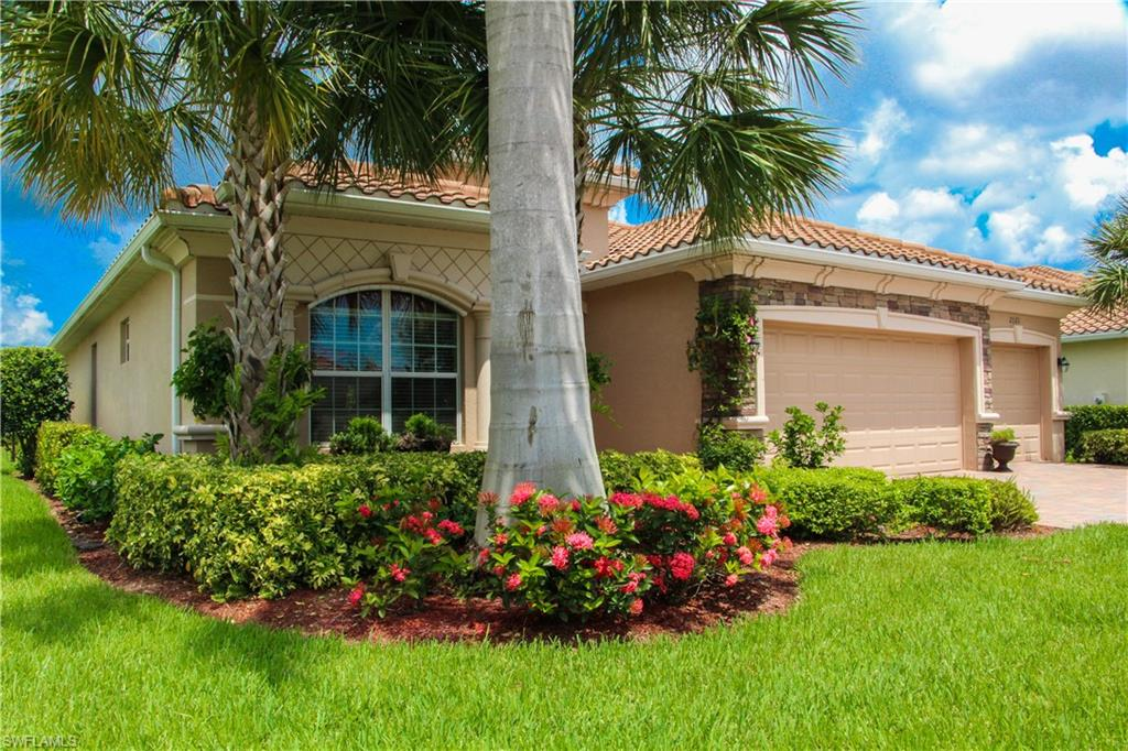 2121 Satsuma Lane Property Photo - NAPLES, FL real estate listing