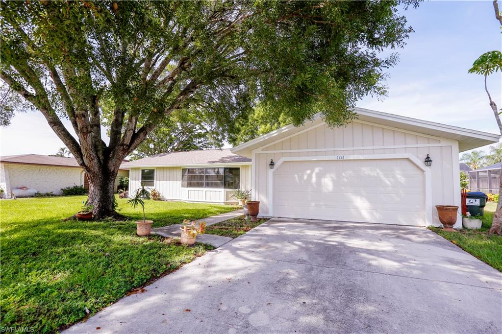 1441 Carmelle Drive Property Photo - FORT MYERS, FL real estate listing