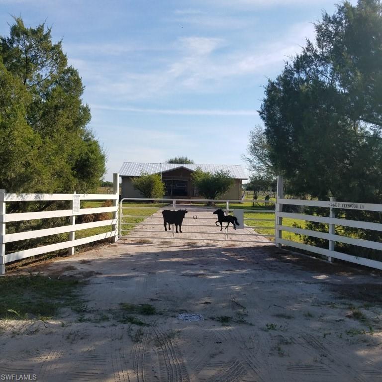 2609 Fernwood Lane Property Photo - LABELLE, FL real estate listing
