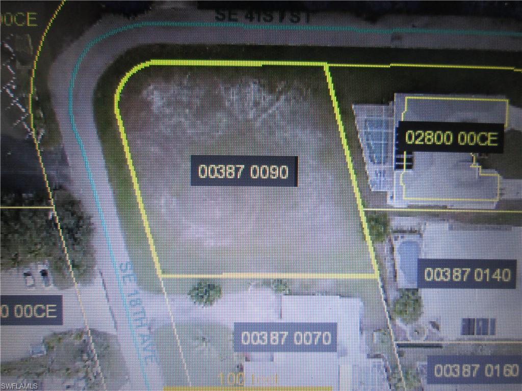 900 Building Real Estate Listings Main Image