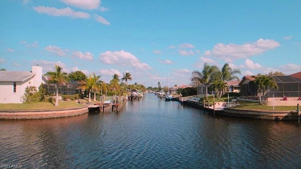 1025 SE 20th Avenue Property Photo - CAPE CORAL, FL real estate listing