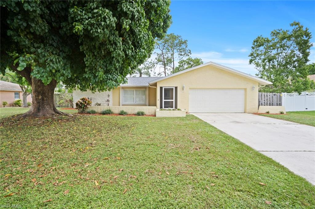 5580 Treehaven Circle Property Photo - FORT MYERS, FL real estate listing
