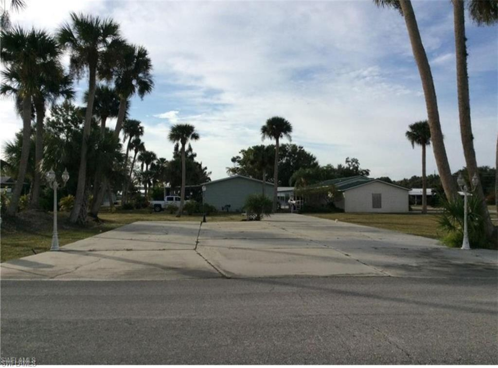810 Yacht Club Way NW Property Photo - MOORE HAVEN, FL real estate listing
