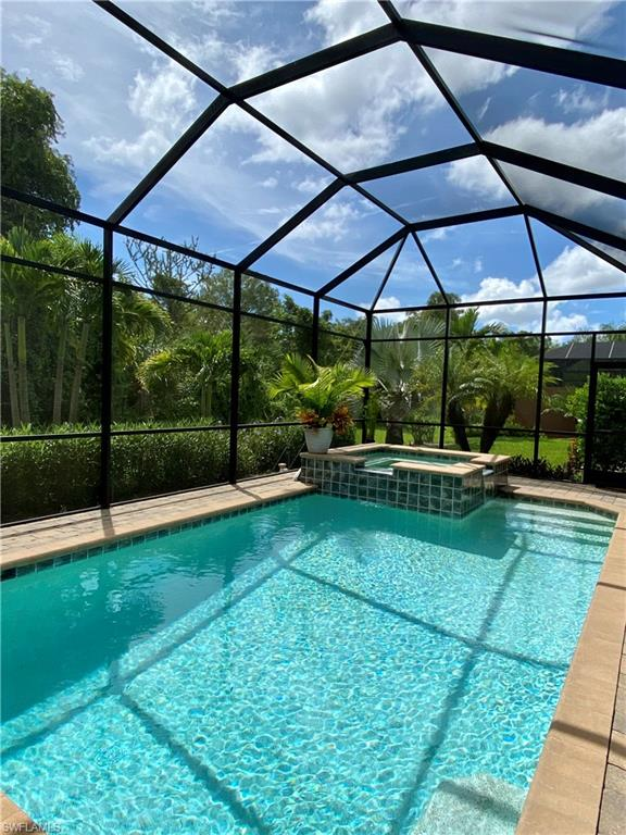 6652 Roma Way Property Photo - NAPLES, FL real estate listing