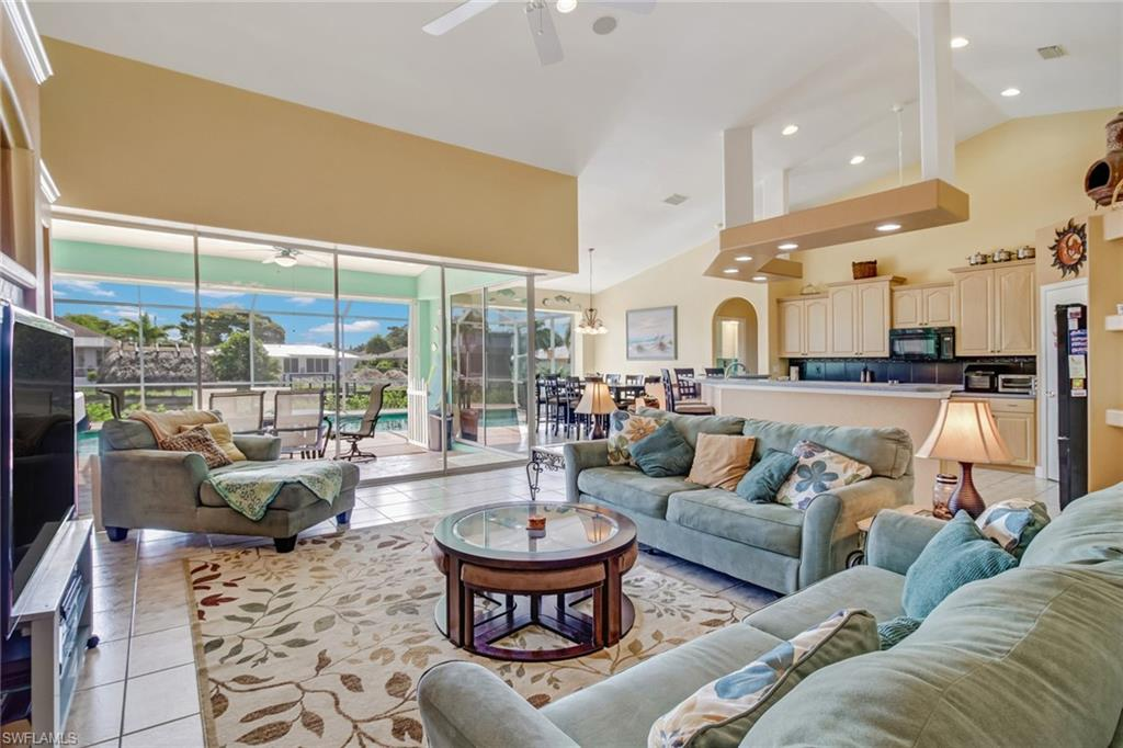 941 SE 20th Court Property Photo - CAPE CORAL, FL real estate listing