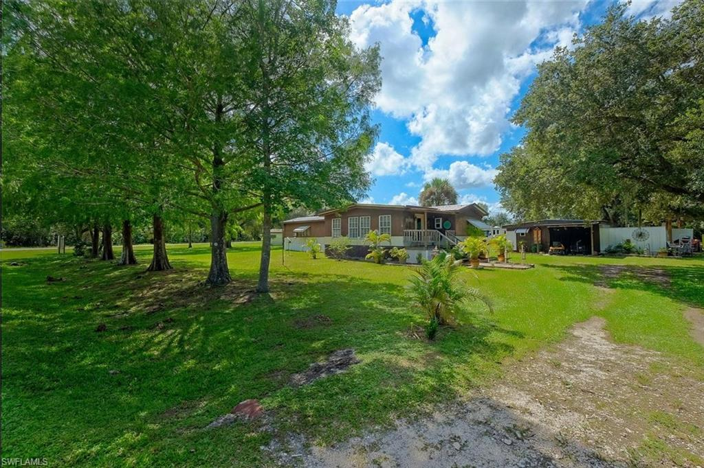 1195 Horseshoe Loop Property Photo - MOORE HAVEN, FL real estate listing