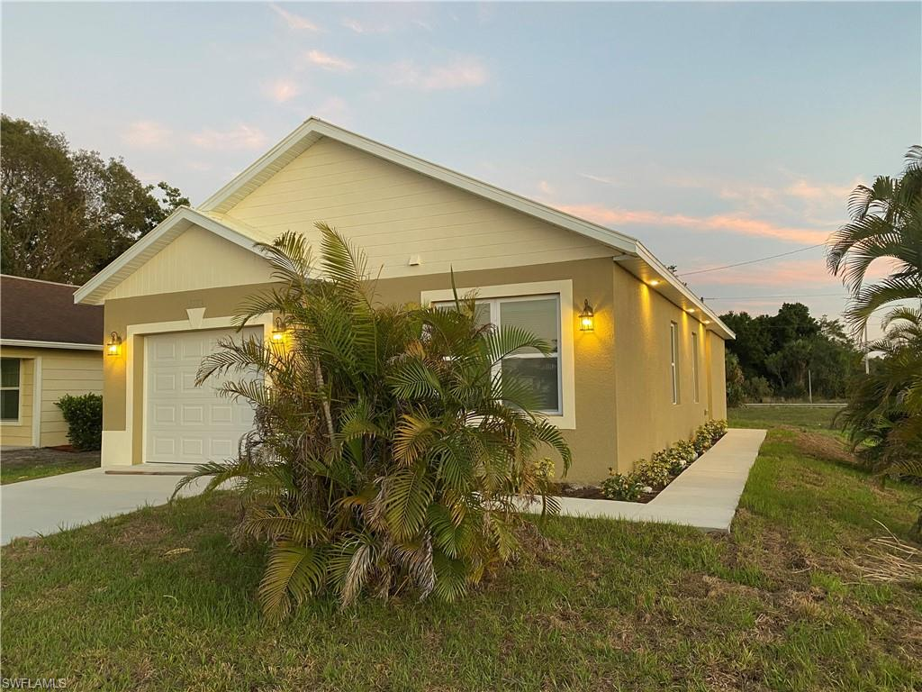 2269 French Street Property Photo - FORT MYERS, FL real estate listing