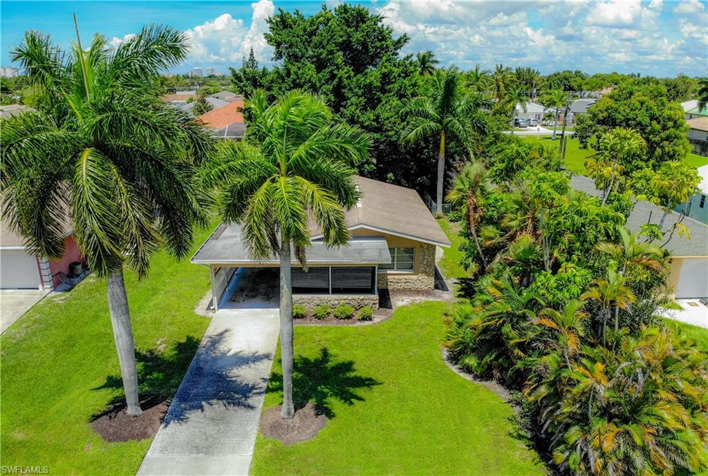 663 100TH Avenue N Property Photo - NAPLES, FL real estate listing