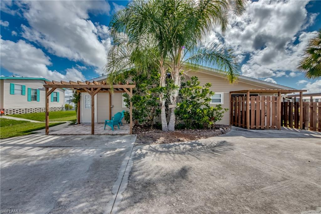 Flamingo Bay Real Estate Listings Main Image