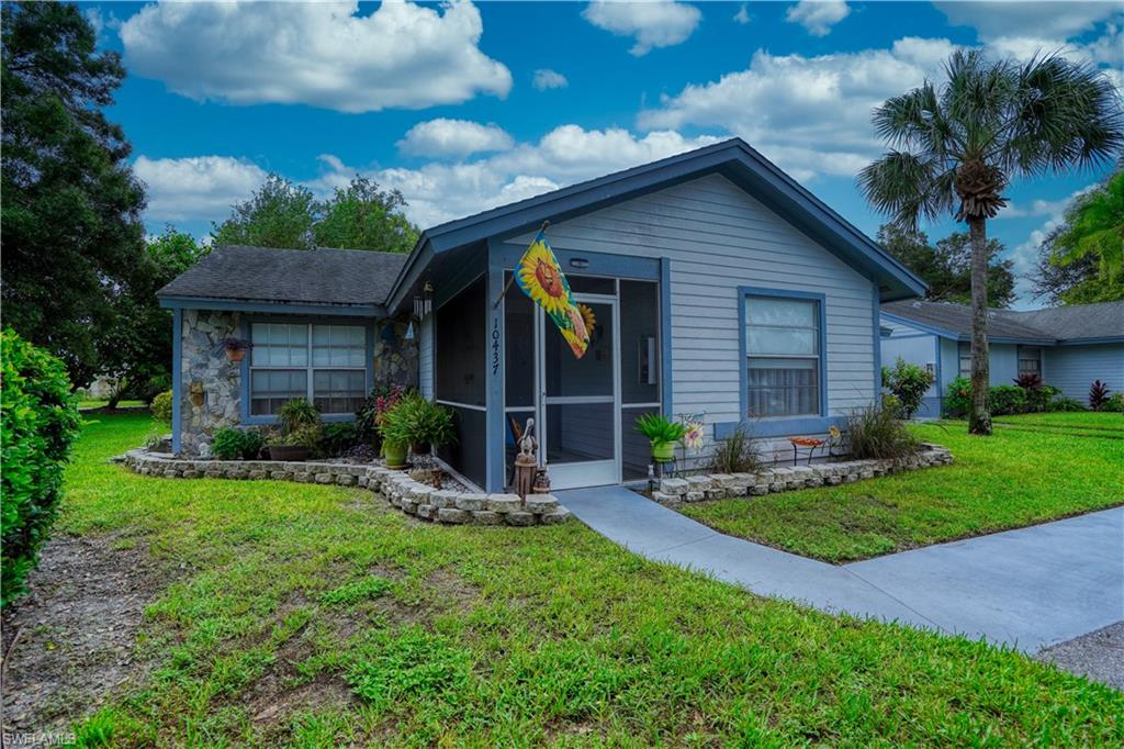 10437 New Bedford Court Property Photo - LEHIGH ACRES, FL real estate listing