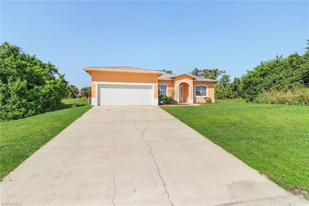 1023 Banjo Court Property Photo - LABELLE, FL real estate listing