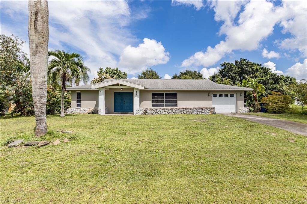 2385 La Salle Avenue Property Photo - FORT MYERS, FL real estate listing