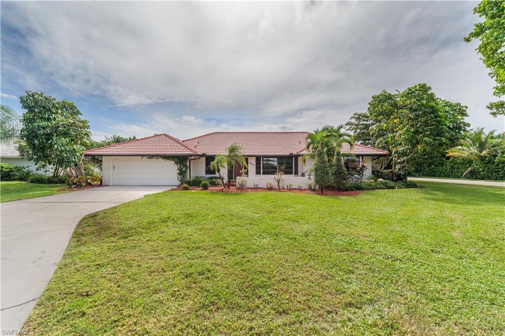 2433 Kings Lake Boulevard Property Photo - NAPLES, FL real estate listing