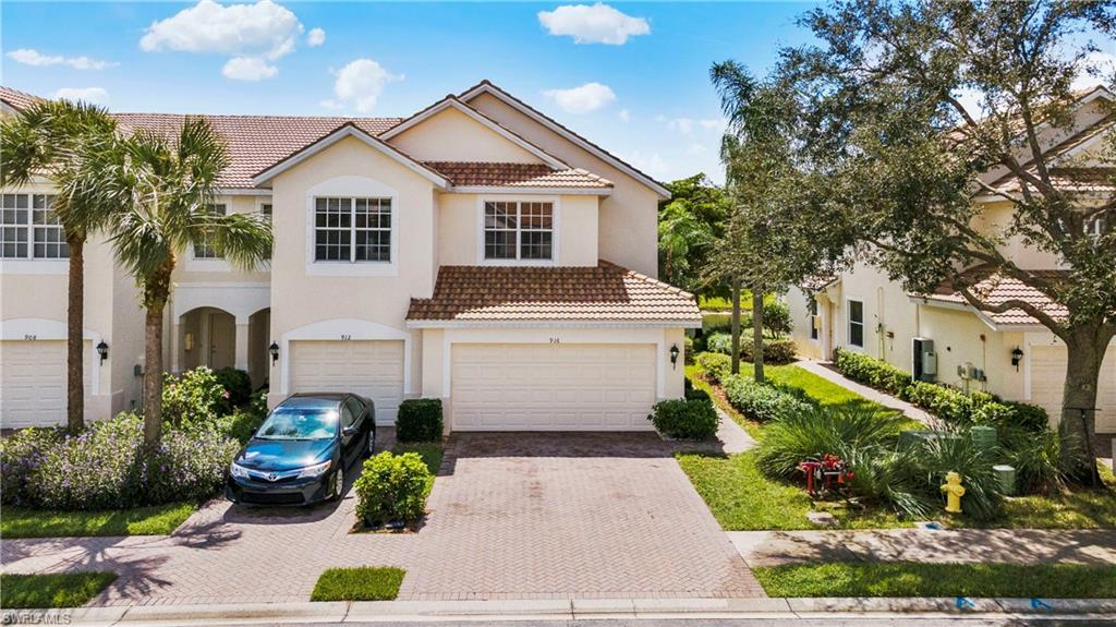 916 Hampton Circle #91 Property Photo - NAPLES, FL real estate listing