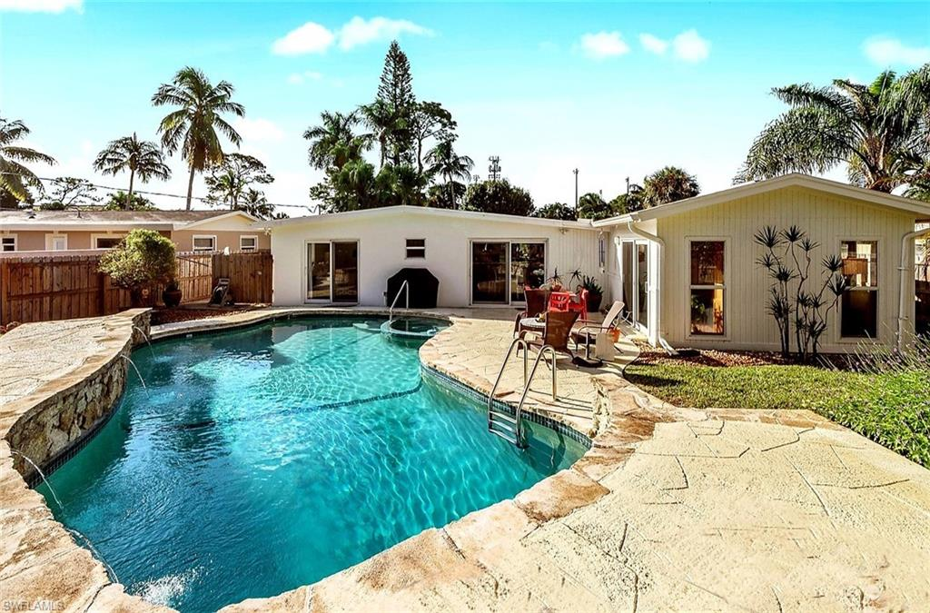 1063 22nd Avenue N Property Photo - NAPLES, FL real estate listing