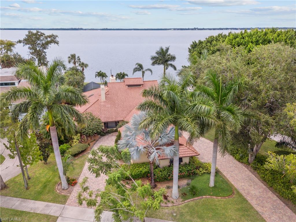 2924 Valencia Way Property Photo - FORT MYERS, FL real estate listing