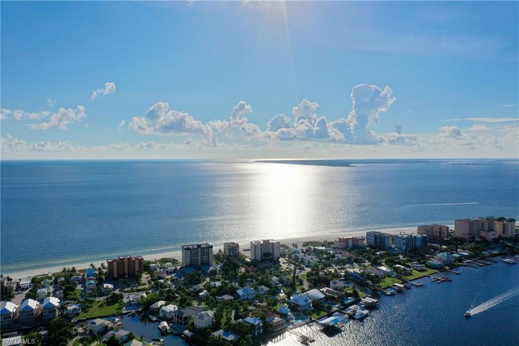 510 Estero Boulevard #302 Property Photo - FORT MYERS BEACH, FL real estate listing