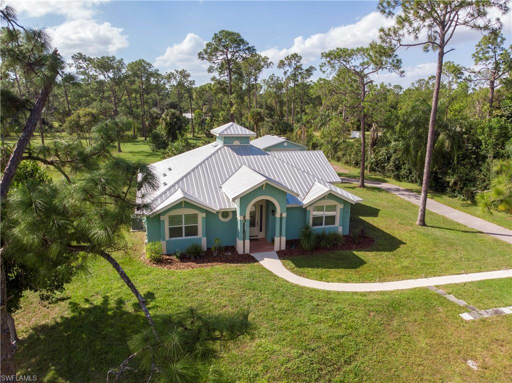663 31st Street NW Property Photo - NAPLES, FL real estate listing