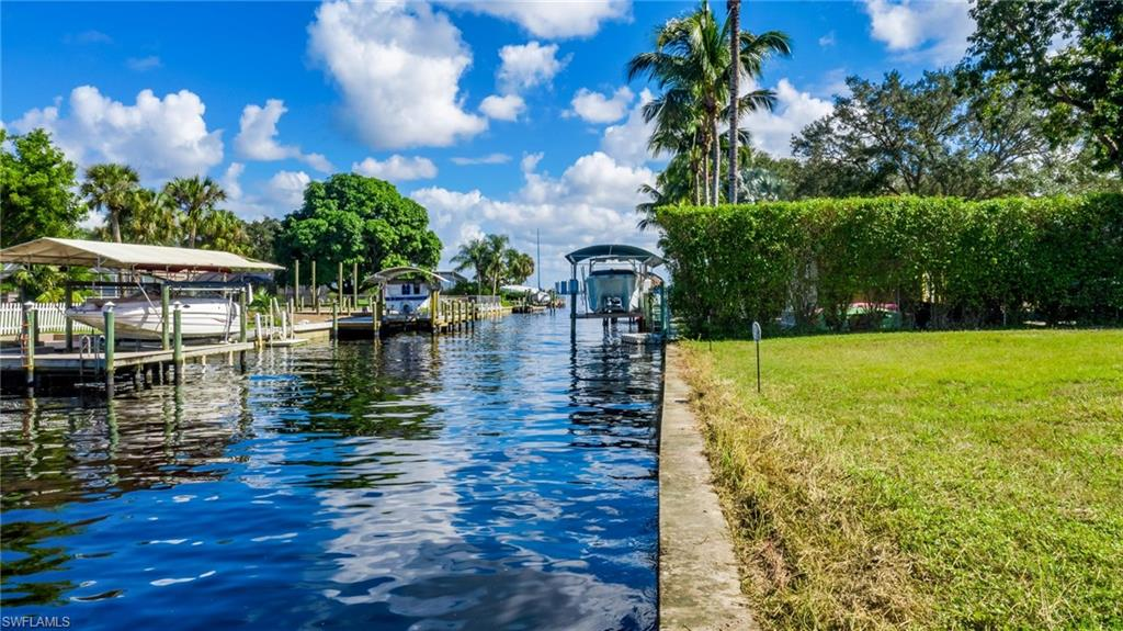 1806 Marina Circle Property Photo - NORTH FORT MYERS, FL real estate listing