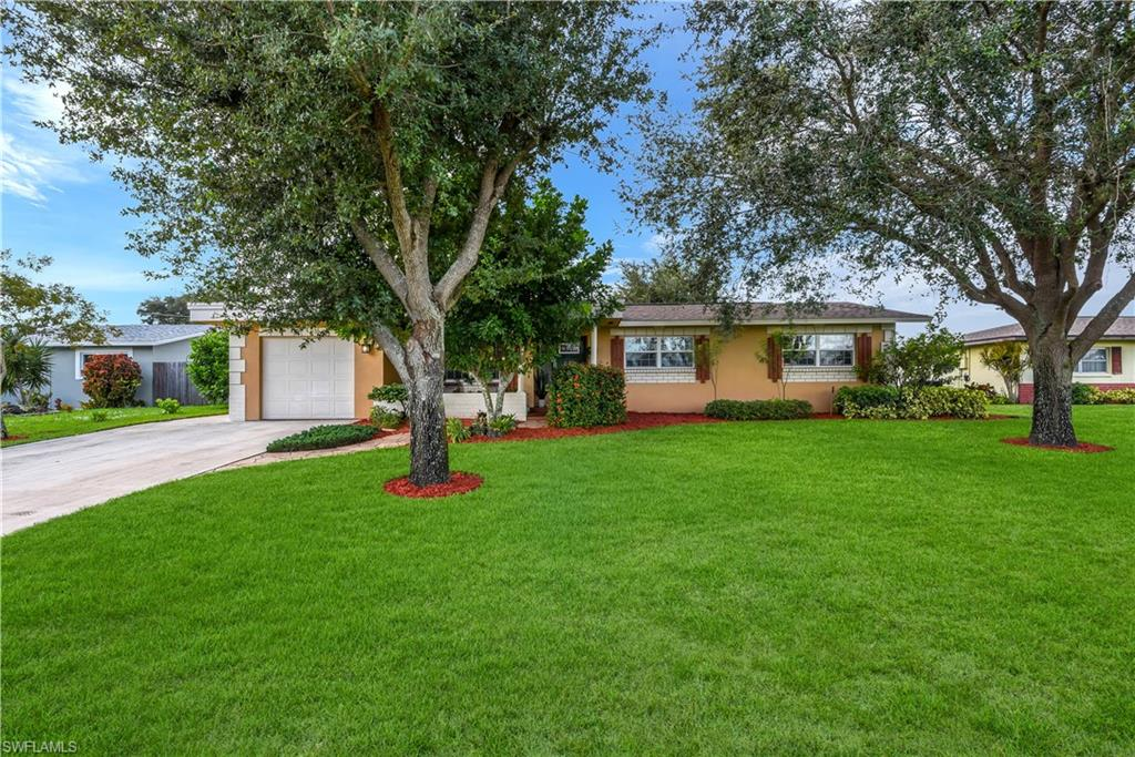 2157 45th Terrace SW Property Photo - NAPLES, FL real estate listing