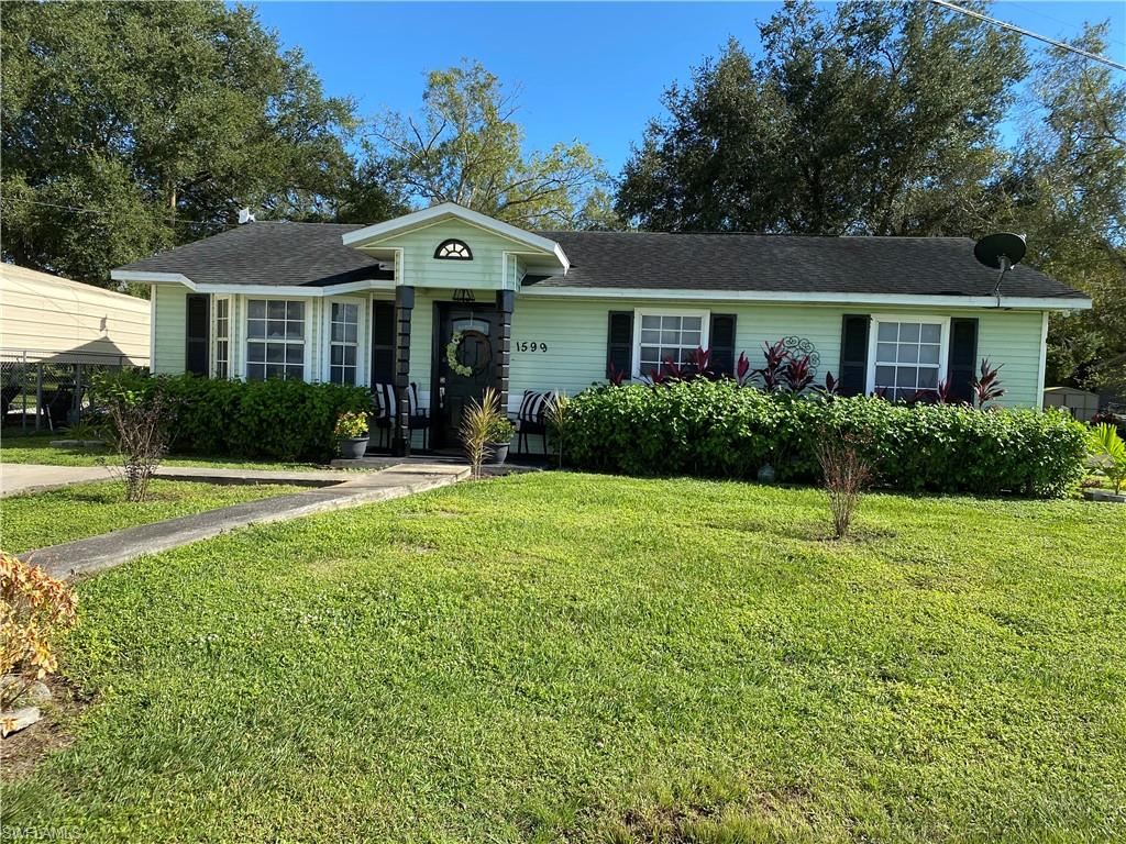1599 West Avenue Property Photo - MOORE HAVEN, FL real estate listing
