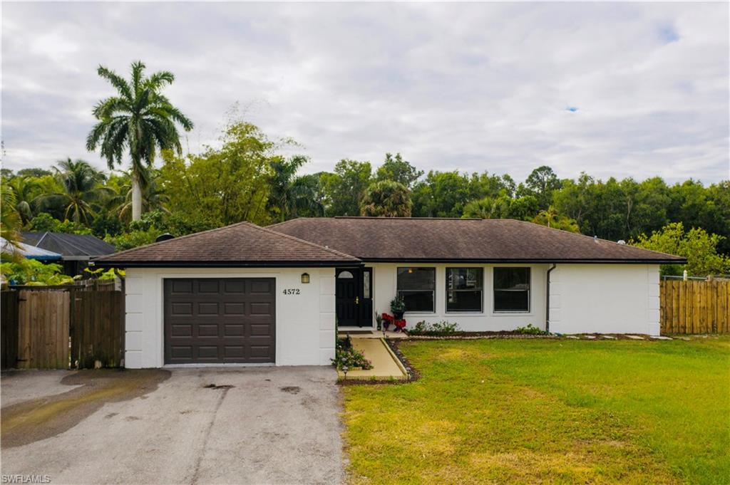 4572 32nd Avenue SW Property Photo - NAPLES, FL real estate listing