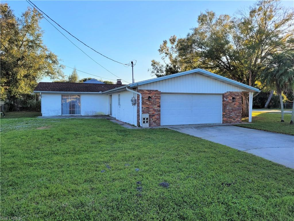495 Grenier Drive Property Photo - NORTH FORT MYERS, FL real estate listing