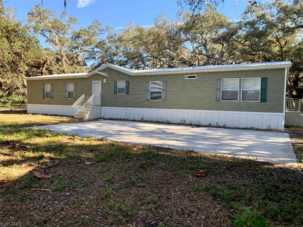 1256 Oak Tree Lane Property Photo - MOORE HAVEN, FL real estate listing