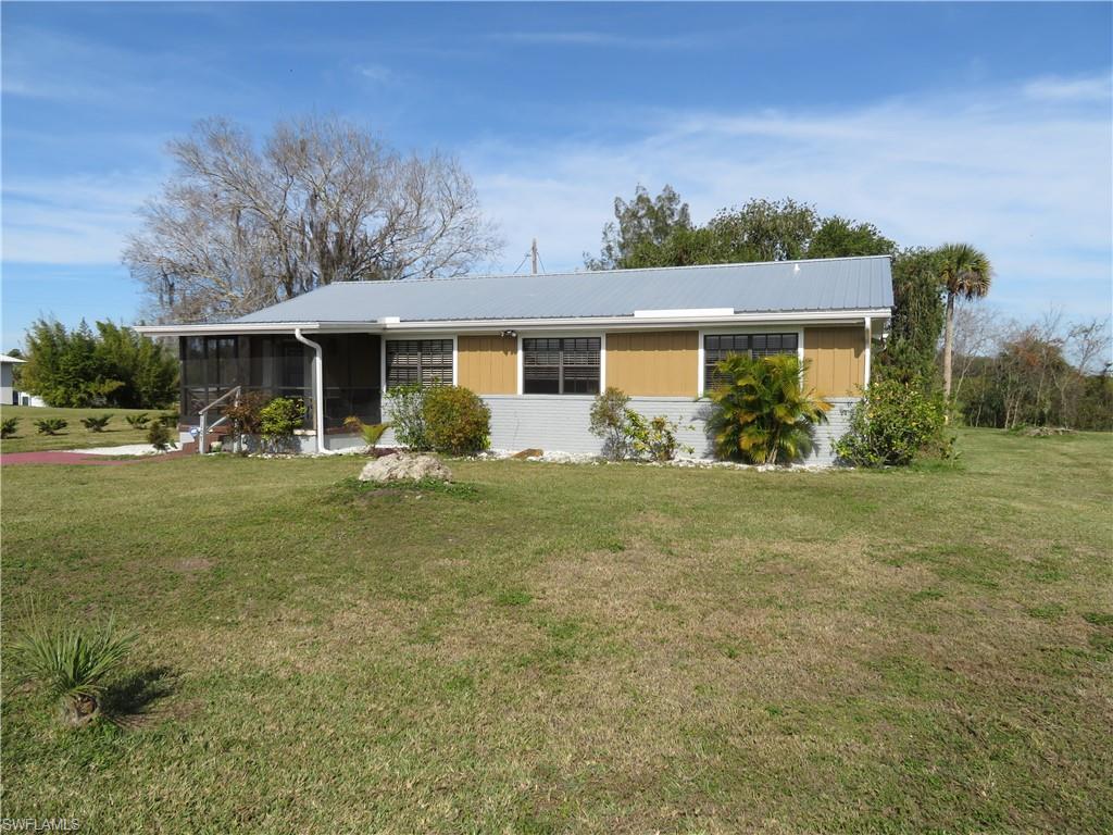 1107 Lock Lane Property Photo - MOORE HAVEN, FL real estate listing