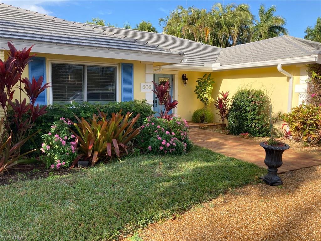 606 Park Shore Drive Property Photo - NAPLES, FL real estate listing