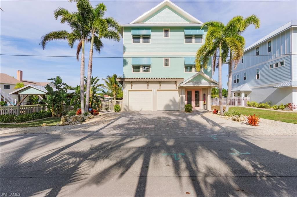 135 Driftwood Lane Property Photo - FORT MYERS BEACH, FL real estate listing