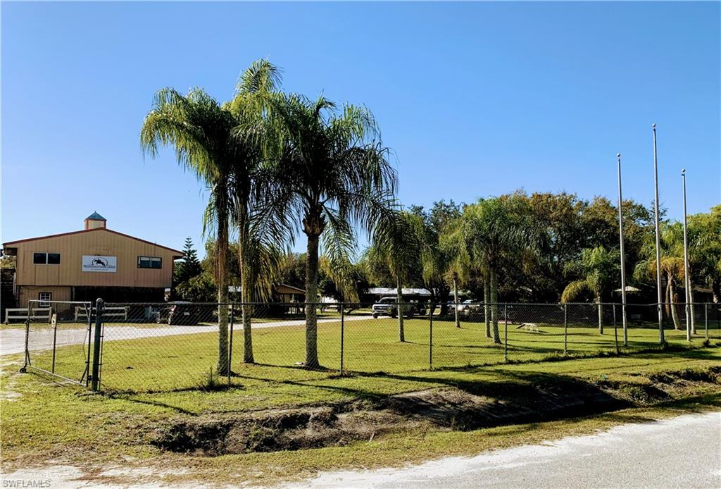7200 Carousel Lane Property Photo - FORT MYERS, FL real estate listing