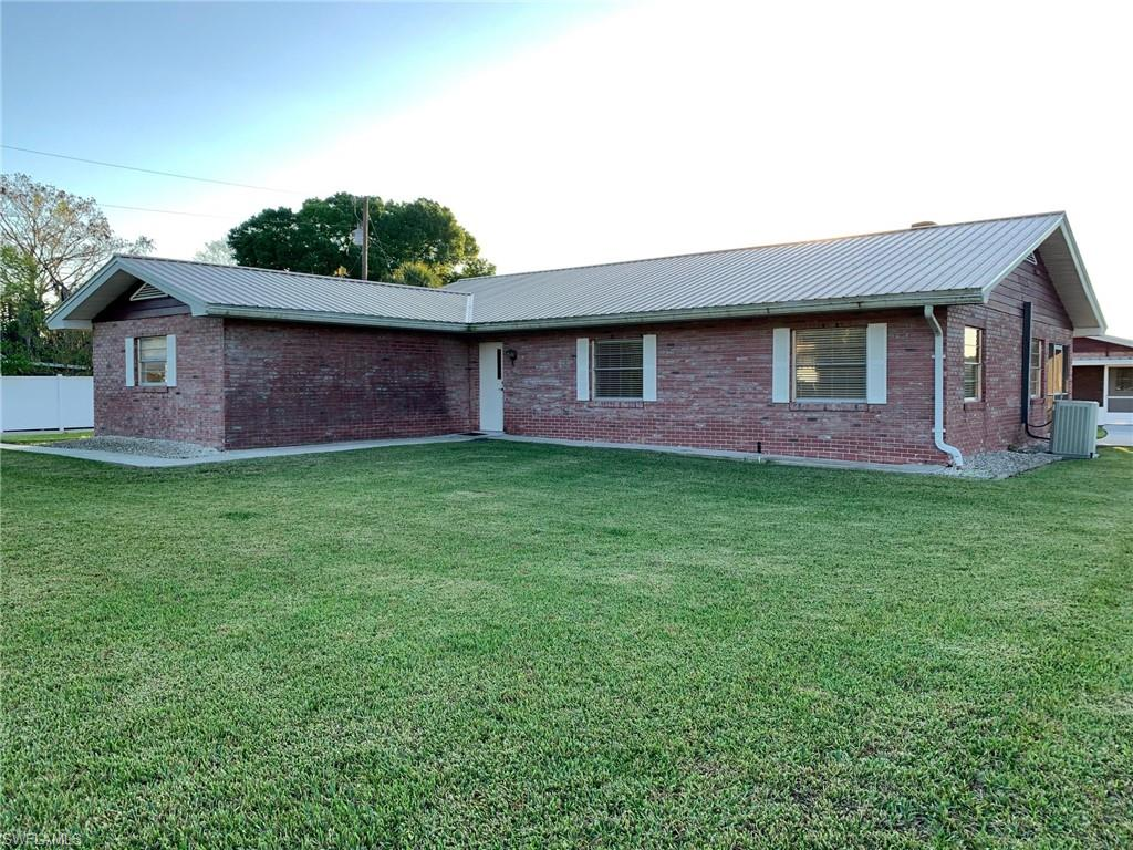 2576 County Road 721 Loop Property Photo - MOORE HAVEN, FL real estate listing