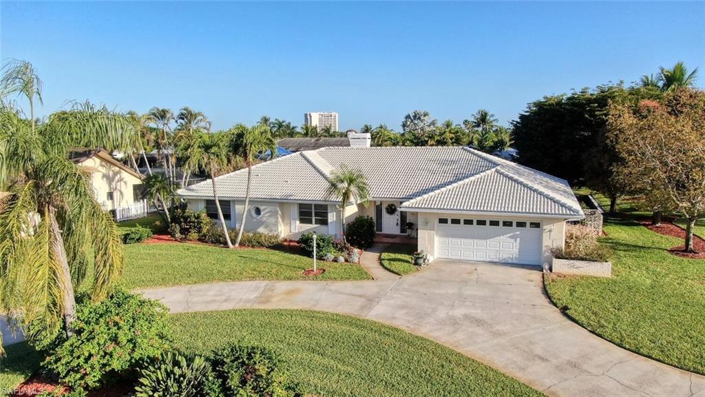 1043 Clarellen Drive Property Photo - FORT MYERS, FL real estate listing