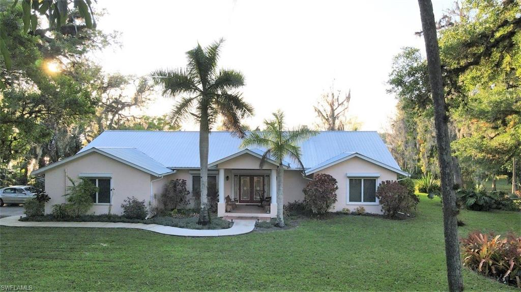 703 Live Oak Lane Property Photo - LABELLE, FL real estate listing