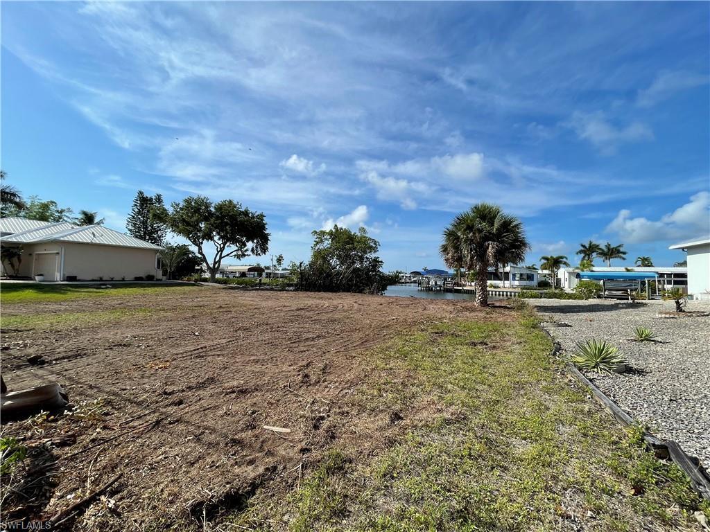 3881 Galt Island Avenue Property Photo
